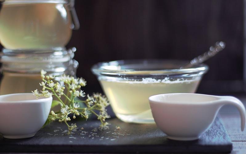 Verpasse nicht den Augenblick – jetzt Holunderblütengelee kochen!
