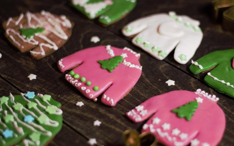 Weihnachtsplätzchen – warum nicht mal einen Pulli auf den Teller?