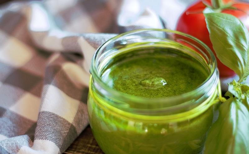 4 Zutaten für ein Pesto verde, das dich träumen lässt – linolsäurearm!